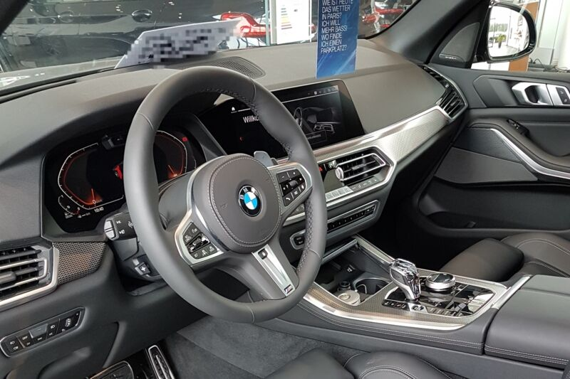 BMW-X5-Interior-opt